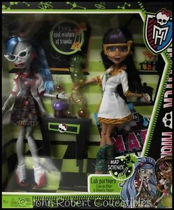 72548f569003 Image is loading MONSTER-HIGH-MAD-SCIENCE-LAB-PARTNERS-CLEO-AND-