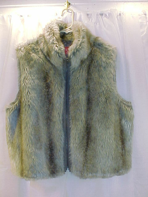 ELLE FAUX FUR VEST IN TAUPE COLORS-VERY NICE, ZIP UP-X LARGE WOMENS