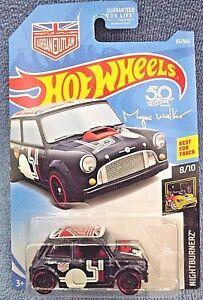 Hot Wheels 2018 nightburnerz Morris Mini negro