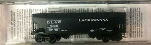 Micro-Trains-N-Scale-33-039-Twin-Bay-Hopper-Offset-Sides-Delaware-Lacawanna-amp-Weste