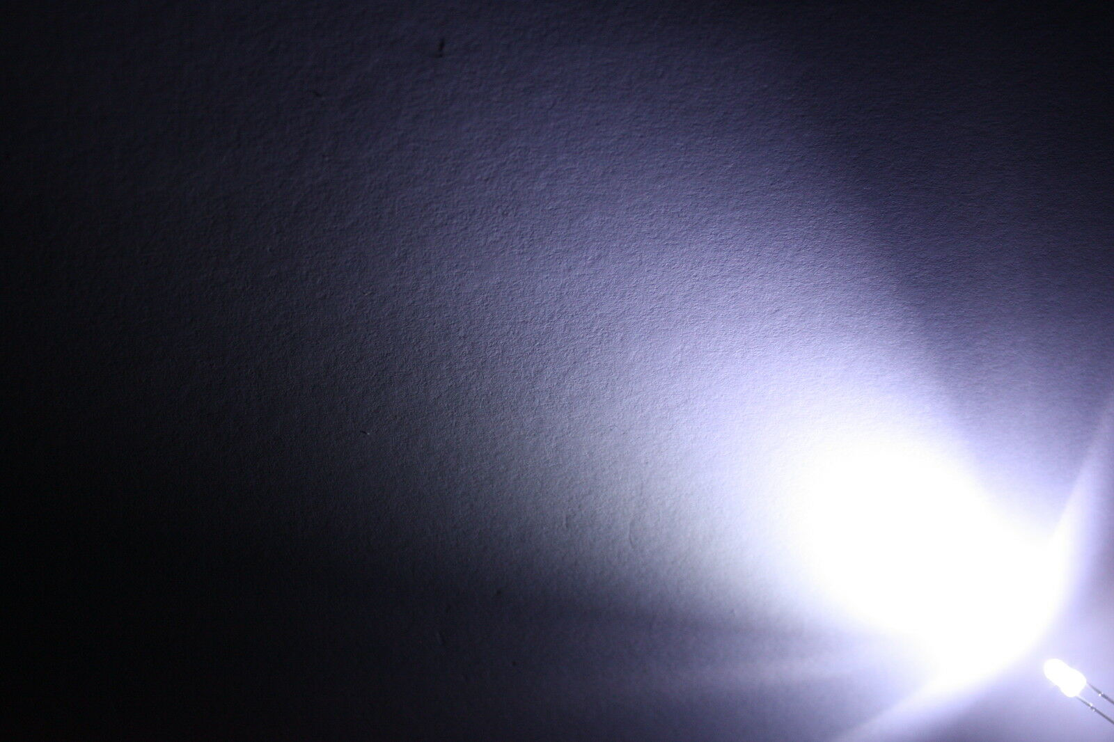 50x 3mm LED rund weiß diffused sehr hell LEDs Widerstände 3mm