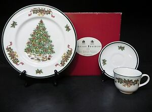Johnson Brothers Victorian Christmas Tree Dinner Plate ...