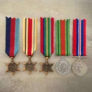 1939-45-AFRICA-STAR-PACIFIC-DEFENCE-WAR-MEDAL-SET-MINI-ANTIQUE-TONE
