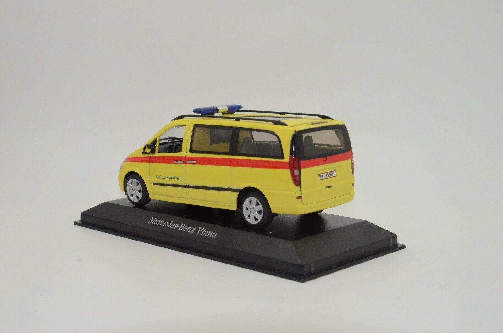 Mega RARE RARE RARE  Mercedes Viano Ambulance Custom Made 1/43 83eea1