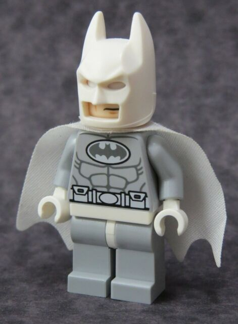 BATMAN LEGO 76000 ARTIC BATMAN MINI FIG // MINI FIGURE