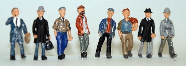 8 Walking Men F258 UNPAINTED OO Scale Langley Models Kit People Figures 1/76