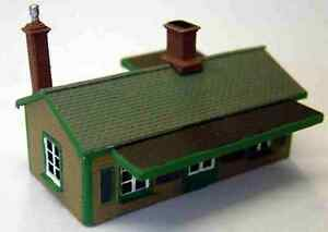 Suburban-Station-building-Brass-A52-UNPAINTED-N-Gauge-Scale-Langley-Models-Kit