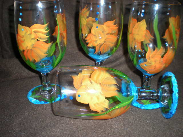HAND PAINTED SWIMMING goldFISH ICE TEAS   SET OF 4(MADE IN THE USA)