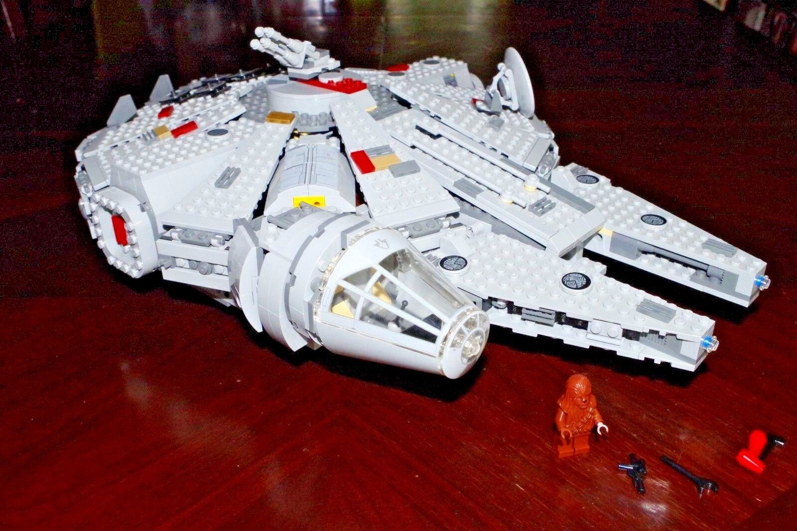 Lego Star Wars Millenium Falcon Set 7965 avec 1 figurine-Lire description