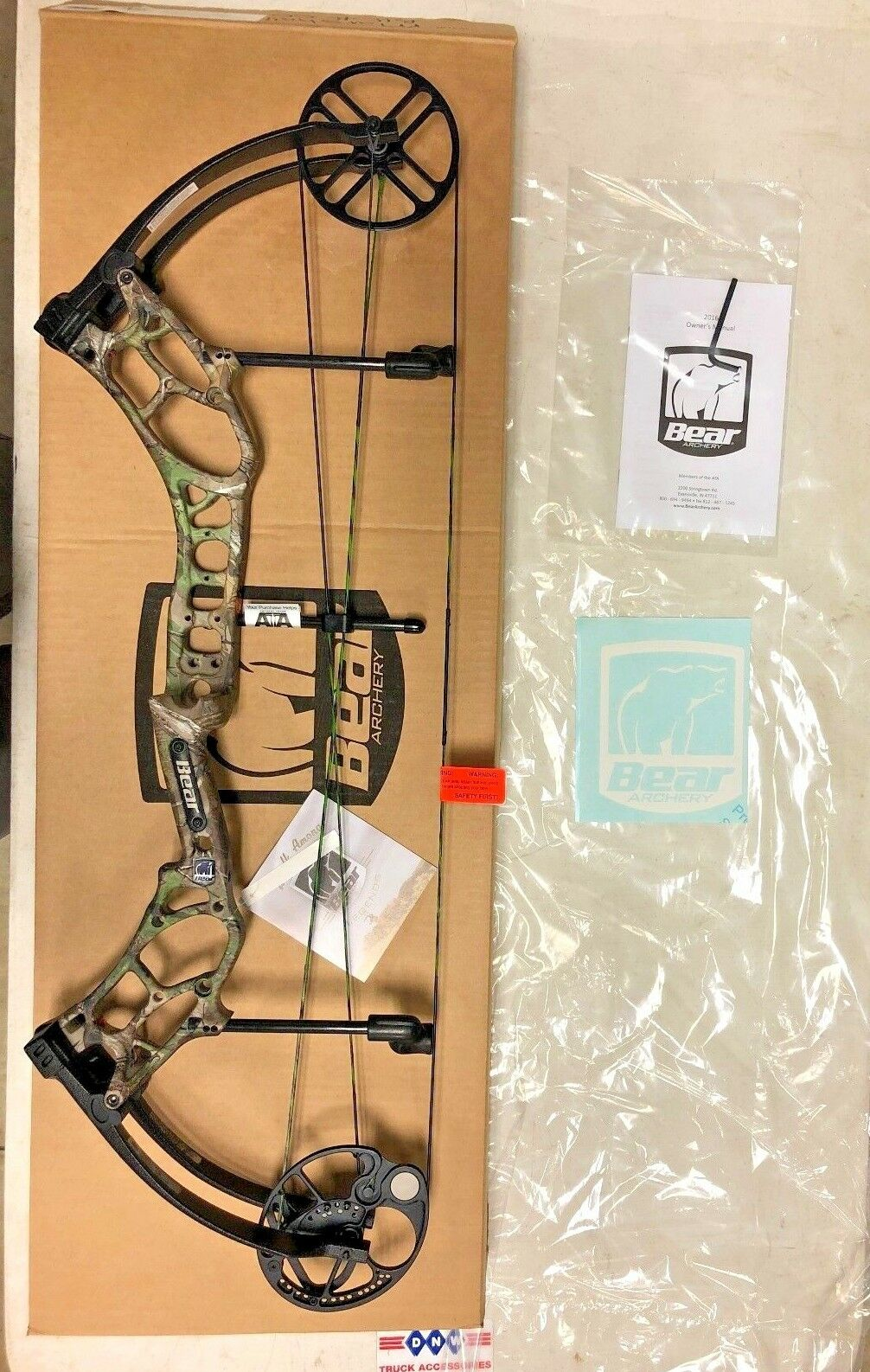 Bear Marshal Realtree Xtra 23-30in RH 50-60lb Compound Bow New