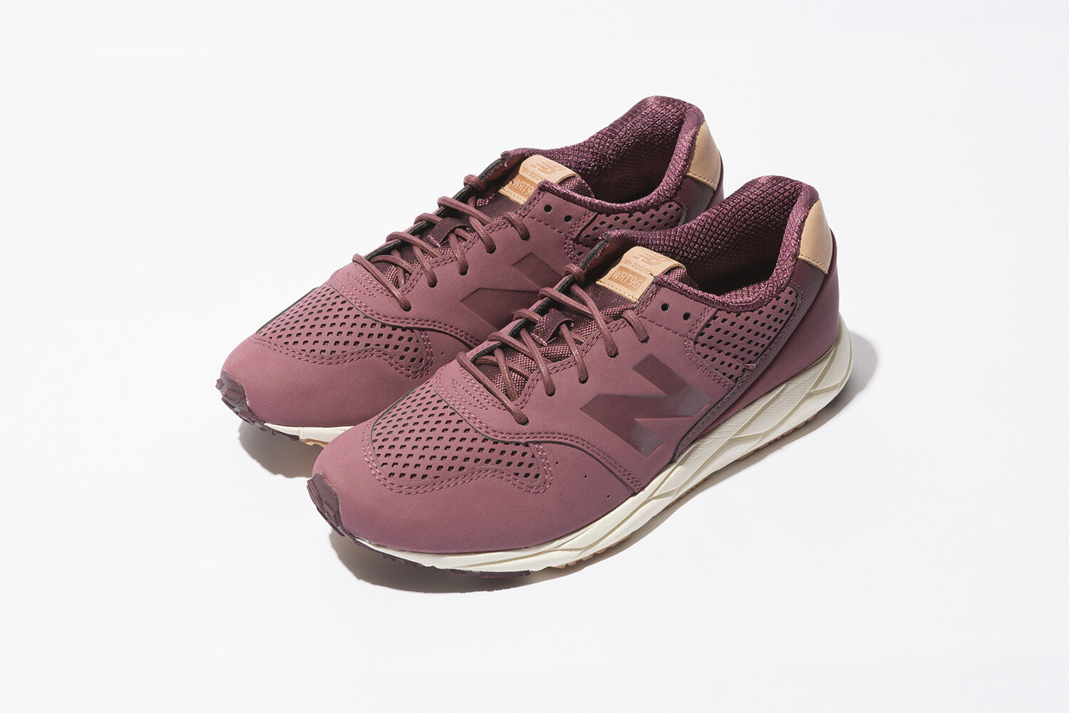 NEW BALANCE WOMEN CLASSICS WRT96TNC BURGUNDY RETRO Lifestyles Sneakers 5 - 9