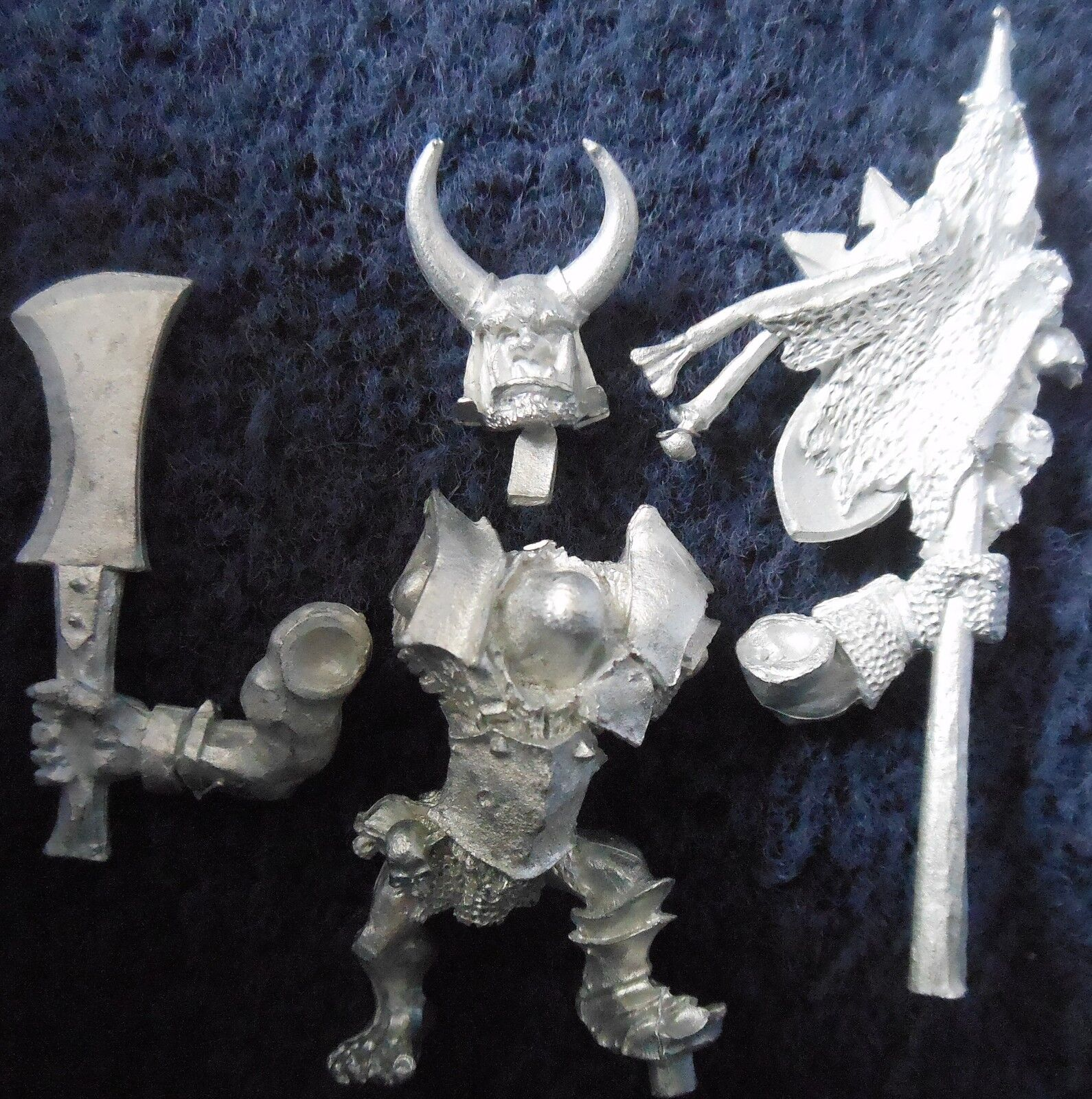 2003 Chaos Ogre Command Standard Bearer Citadel Warhammer Army Kingdom Banner GW