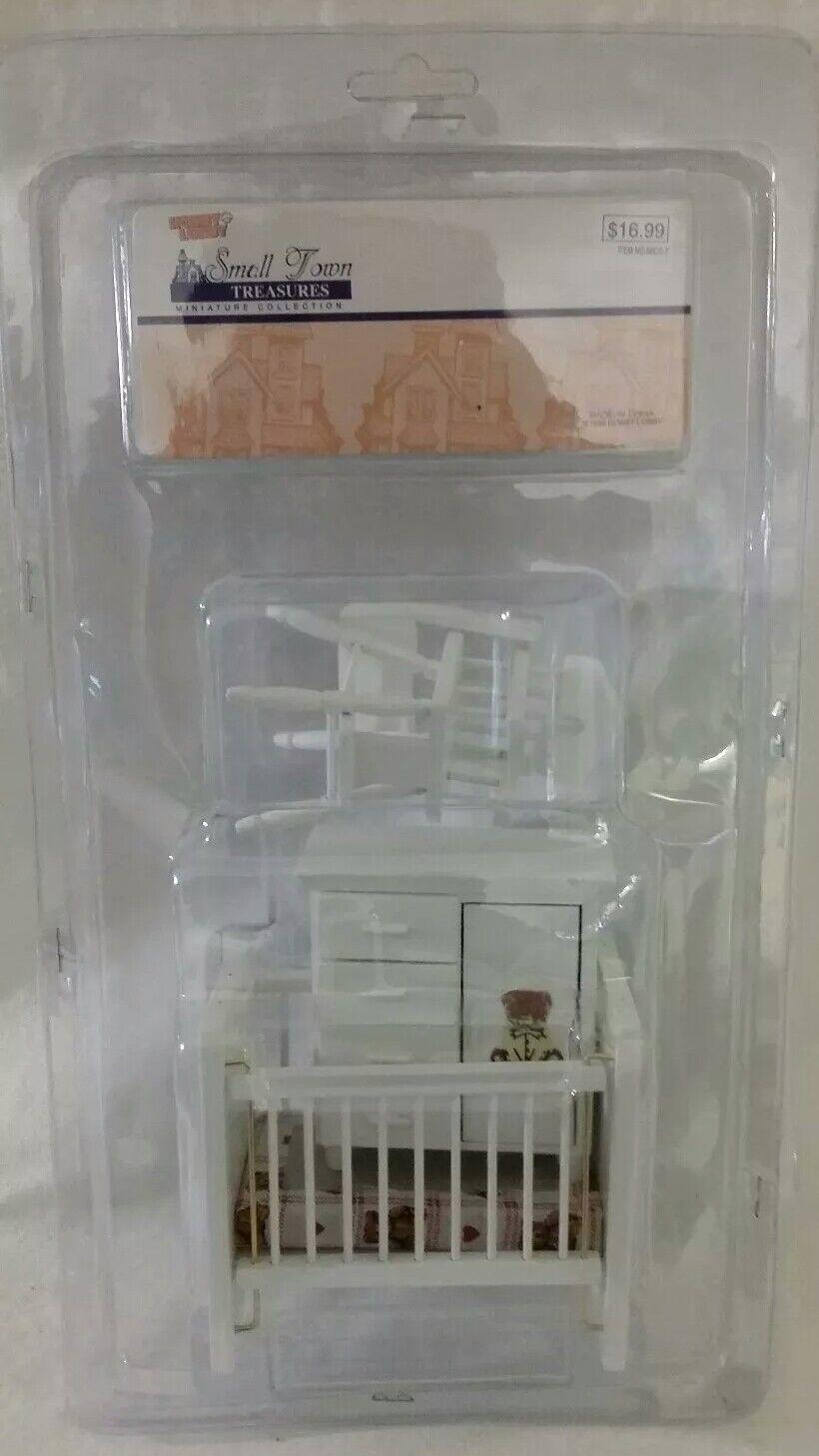 NOS 1998 NRFP Hobby Lobby Small Town Treasures Infant Baby Crib Bedroom Set NEW