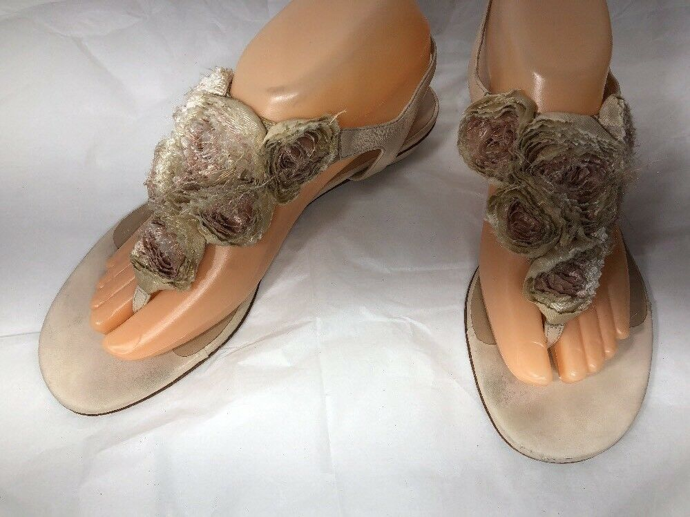 Valentino Garavani Roses  Leather Sandals Size 7.5 38