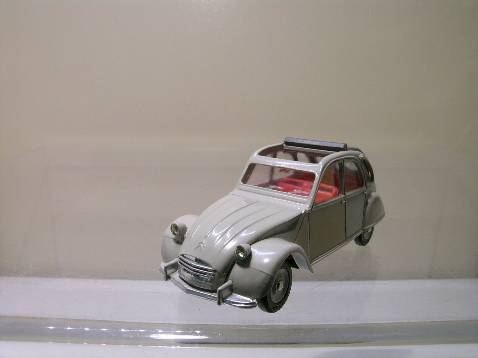 DINKY TOYS SPAIN 500 CITROEN 2CV BEIGE 99% MINT SCALE 1 43