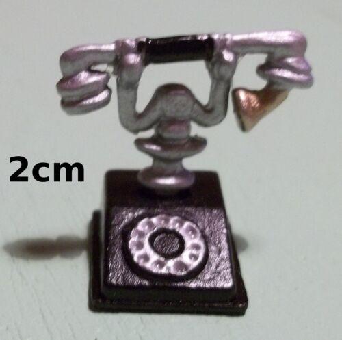 téléphone ancien en métal miniature,maison de poupée, vitrine, bureau 1/12 **CL6