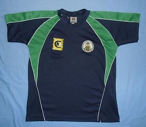 St. Killian's Gaelic Athletic Club / MALLEY - MENS navy & green T-Shirt. Size: M - Poland, Polska - If an item is to be returned because you changed your mind (you do not like the color, size etc), you will have to cover the return shipping's fee. I do my best to describe the listed stuff as well as possible and the exact size numbers a - Poland, Polska
