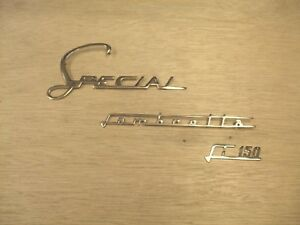 Lambretta Legshield Badge Special in Gold
