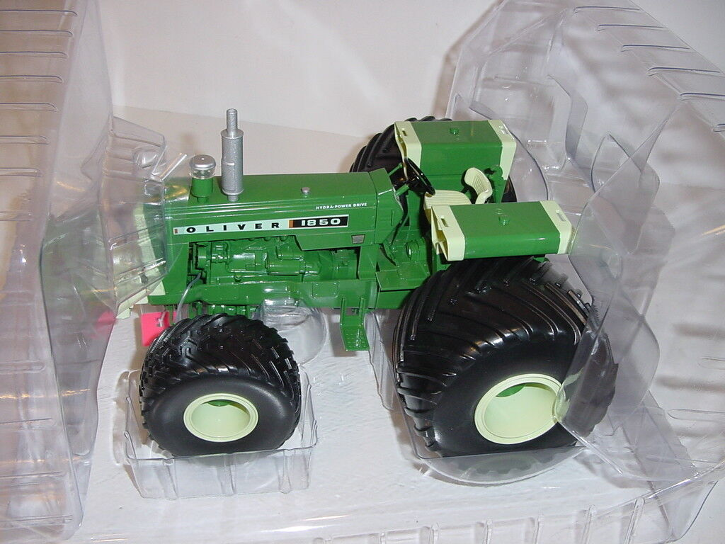 1 16 Oliver  High Detail  1850 Tractor W Terra Tires by Spec Cast NIB