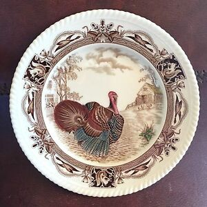 Barnyard King Johnson Brothers England Turkey Squirrel Plate Hand Engraved Tint