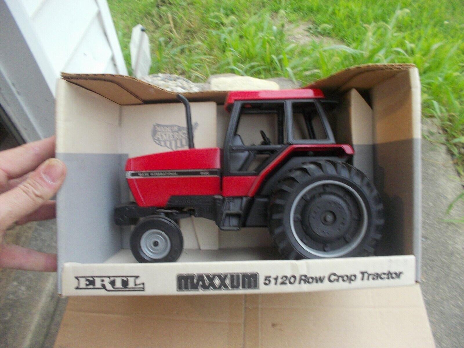 Case IH International 5120 Tractor 1 16 scale Vintage Ertl Co NIB in scatola 634
