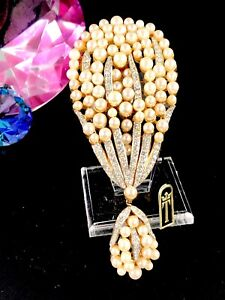 NWT-RARE-60-039-S-CROWN-TRIFARI-039-CONCERTO-039-GOLD-FAUX-PEARL-RHINESTONE-DANGLE-BROOCH