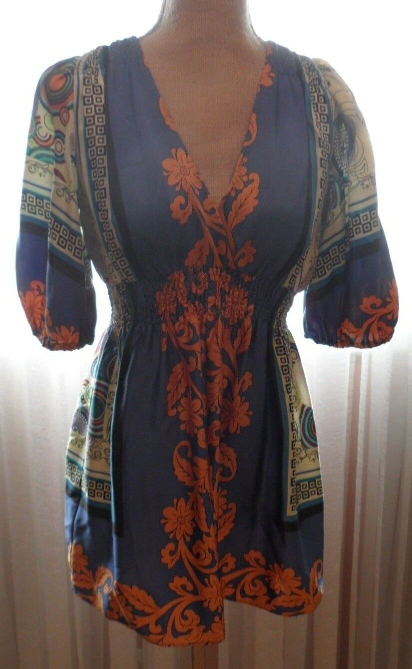SINGLE GORGEOUS MULTI-Farbe TUNIC , BEAUTIFUL COMBINATION OF FarbeS AND FABRIC P
