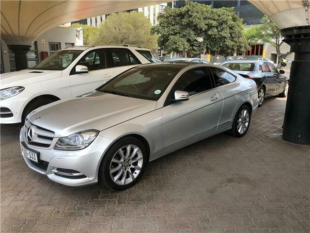 Mercedes-Benz C 180 Coupe, Silver with 68000km, for sale!