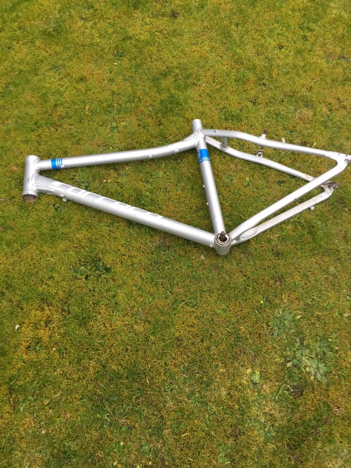 Carrera parva limited edition bike frame