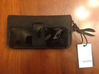 Nixon 101 Cassia Large Women's Wallet All Black Zip-around C2357 001-00