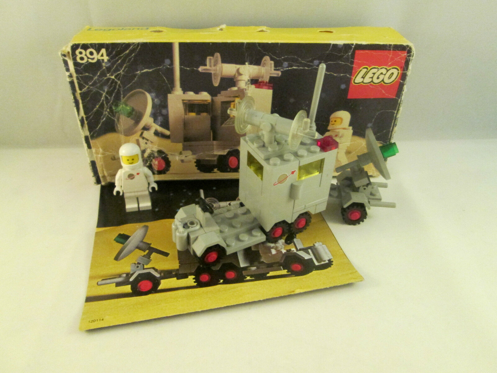 Lego Classic Space - 894 Mobile Ground Tracking Station