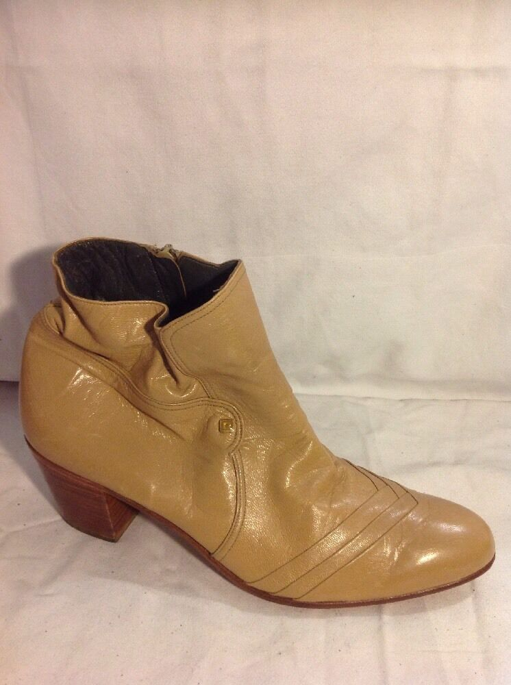 Pierre Cardin Beige Ankle Leather Boots Size 8