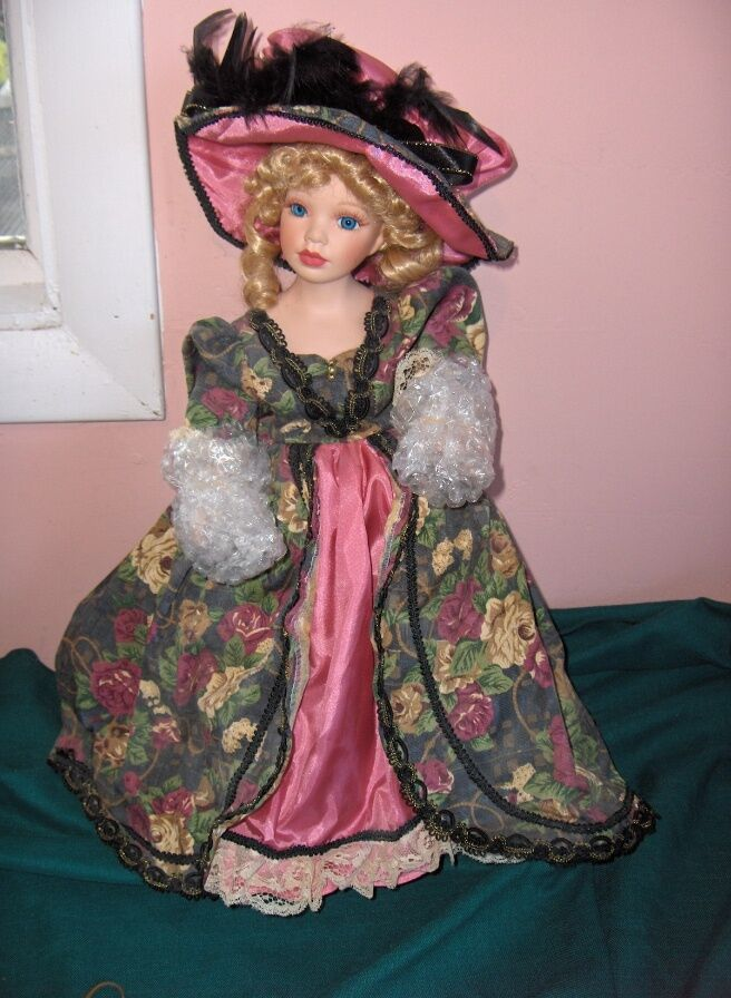 1998 Lady Annabel Porcelain bambola Royal Courts Collection  Wm Tung Tuss scatola  offrendo il 100%