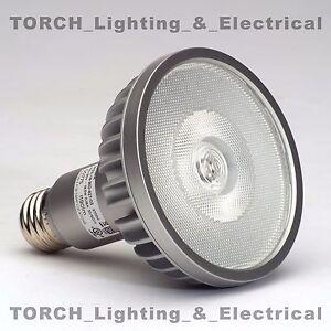 LED-SORAA-Brilliant-PAR30-SP30L-18-36D-827-03-18W-2700k-Light-Lamp-Bulb-00775