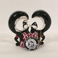 Looney Tunes 13895 Pepe Le Pew & Penelope In Love Ceramic Magnetic S&p Shakers