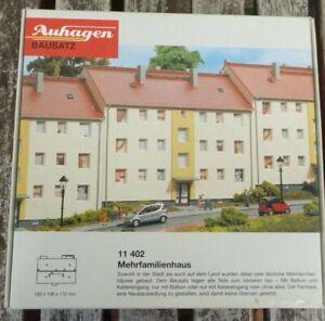 Auhagen-11402-H0-DDR-Mehrfamilienhaus-1950er-Jahre-neuwertig-in-OVP-Bausatz