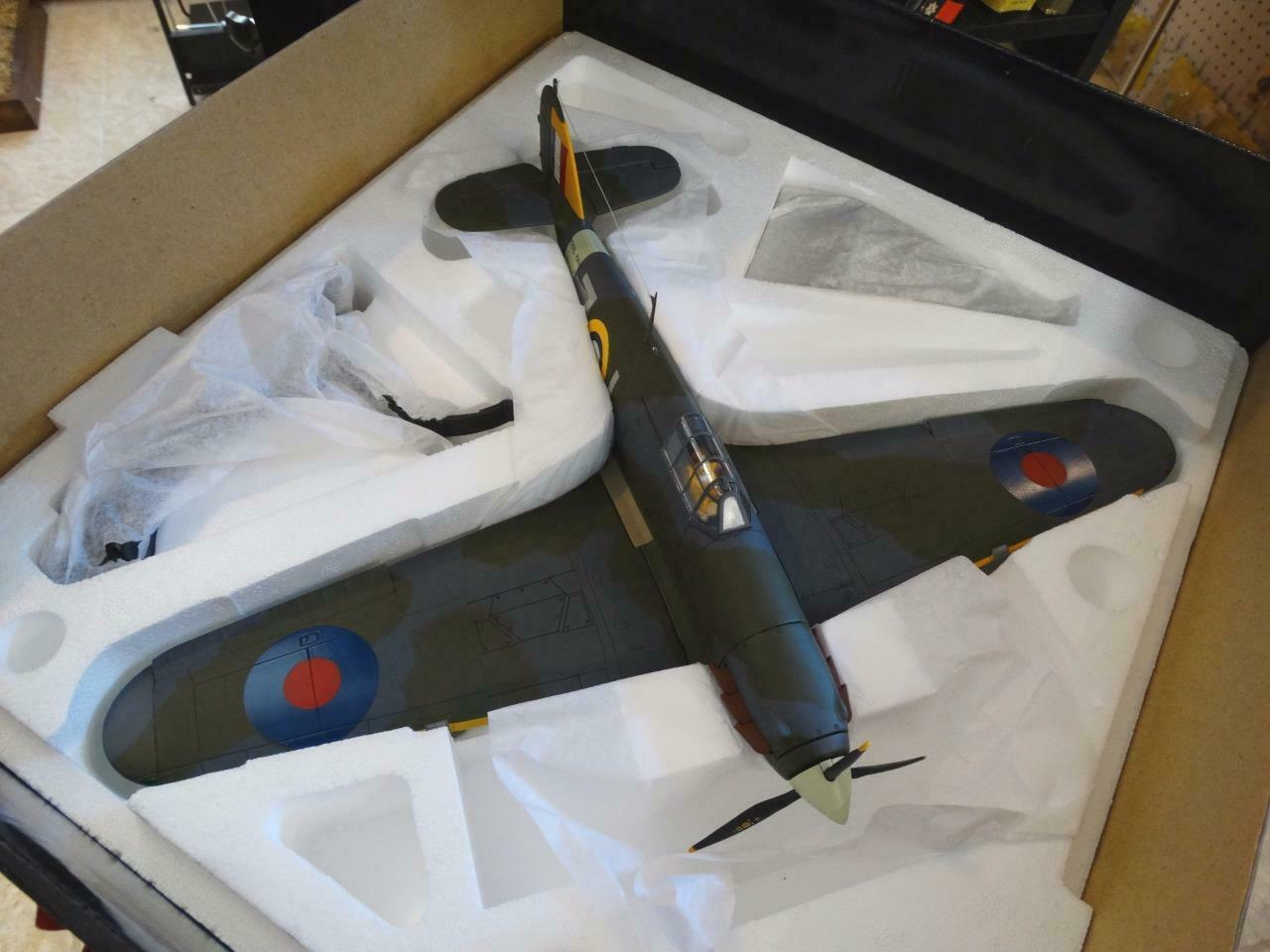 AA35504 --1 32 --Hawker zee Hurricane 1B, No.880 Sqn.Fleet Ai --Diecast --Corgi