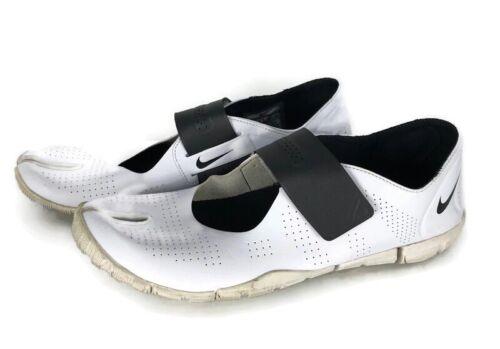 Nike Womens Slip On Sneakers Shoes White Black 524