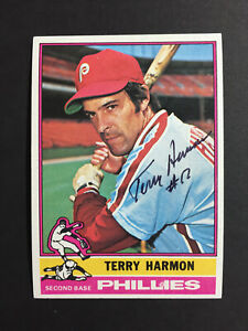 Terry Harmon Phillies Signed 1976 Topps Baseball Card #247 Auto Autograph