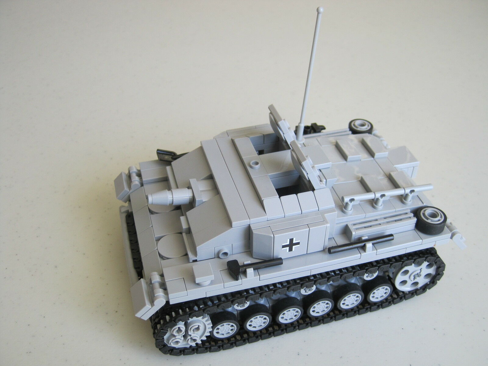 Lego WW2 GERMAN Vehicle StuG III Sd.Kfz 142 ausf. E Tank Artillery NEW