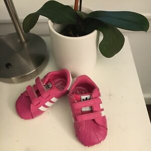 Details about Girls Adidas Crib Shoes Size 2K
