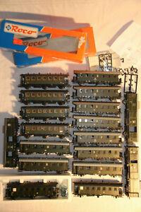 37-Konvolut-15-Personenwagen-3-Gueterwagen-der-DR-Epoche-II-III-in-H0-von-Roco