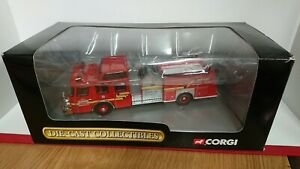 RARE-Corgi-54802-E-One-Top-Mount-Fire-Tender-Seattle-NEW