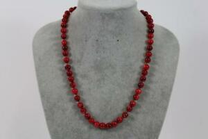 Edle-Halskette-Collier-aus-roter-Koralle