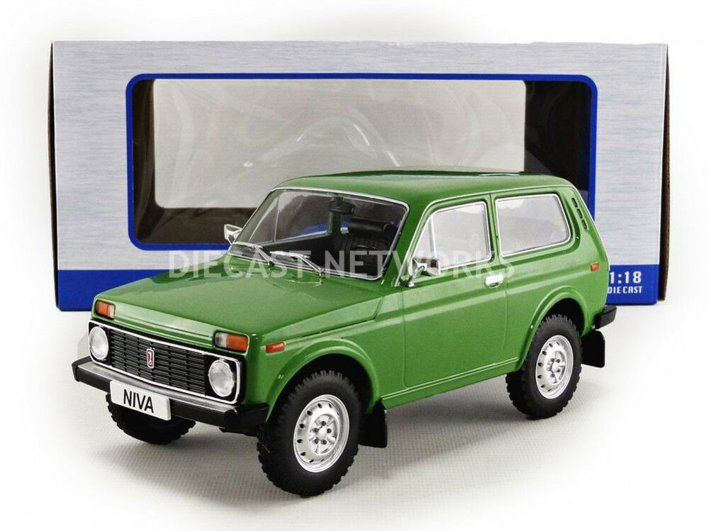 Mcg 1976 Lada Niva verde en escala 1 18 Nueva Versión