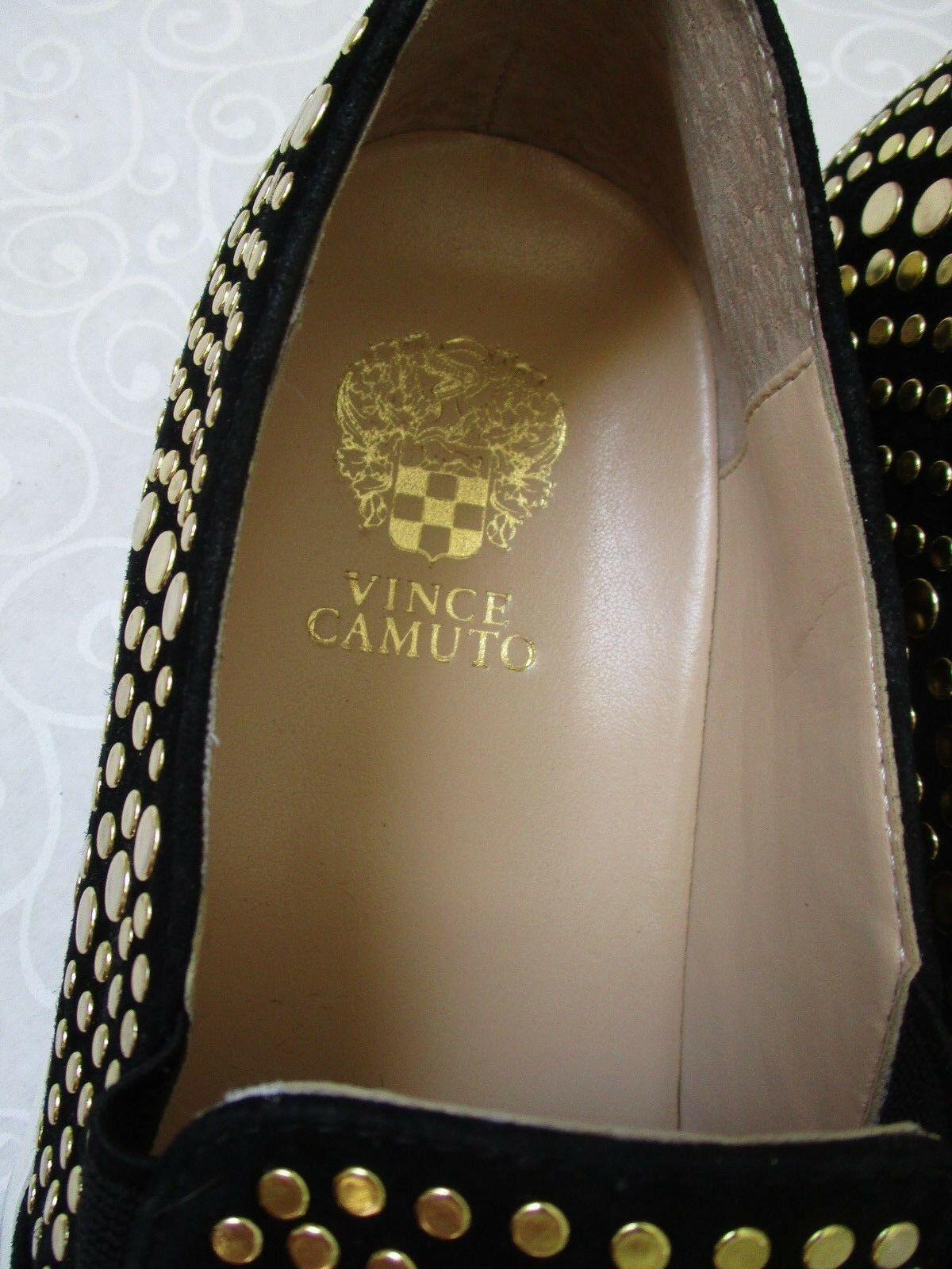 VINCE CAMUTO KINDRA FOXY BLACK/GOLD 8 SILKY LEATHER LOAFERS SIZE 8 BLACK/GOLD 1/2 M - NEW aa4db5