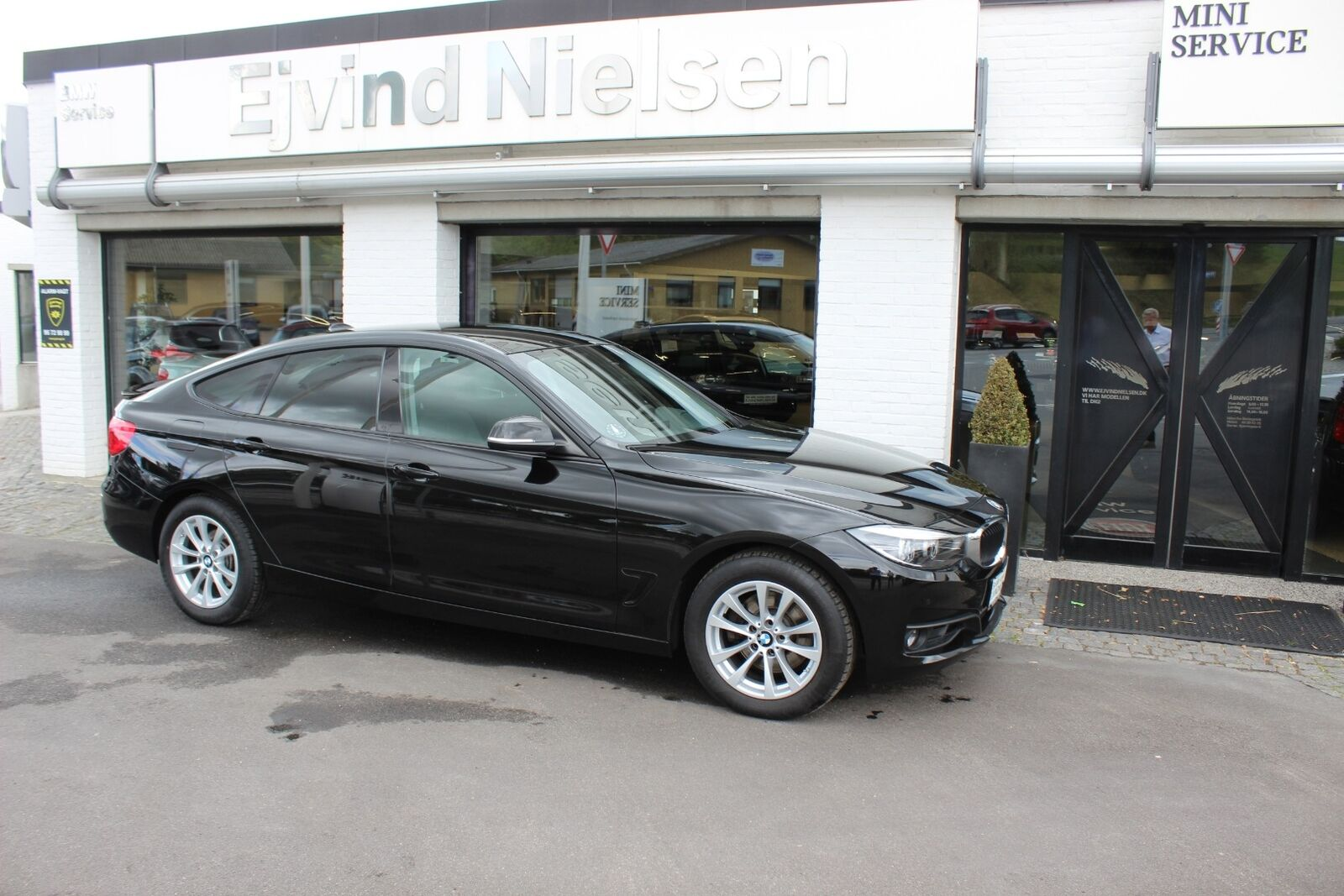 BMW 330i 2,0 Gran Turismo aut. 5d - 359.900 kr.