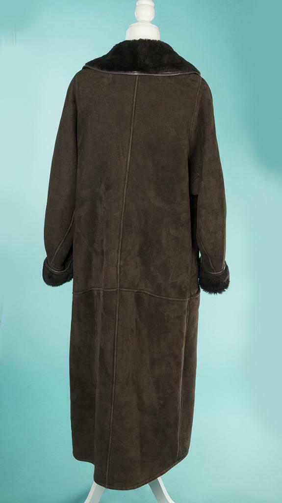 Overland Sheepskin Co. Full Length Shearling Choc… - image 5