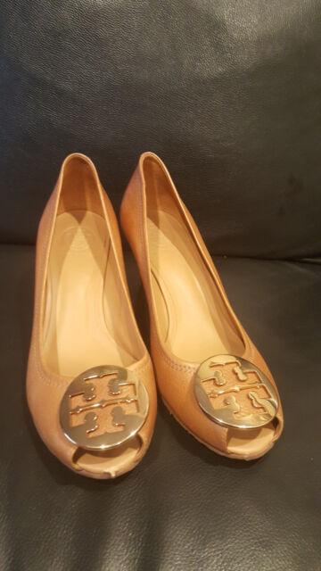 af0ffa48ad3 TORY BURCH Sally 2 Peep Toe Reva Wedge Heels Tan Leather   Gold Logo Shoes 9