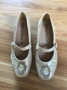 LADIES-CUTE-BROWN-LEATHER-FLORAL-SLIP-ON-SHOES-BY-RIVERSOFT-SIZE-9